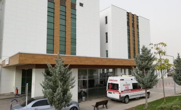 Evlerinde Yaralı Halde Bulunan Karı-Koca Hastanede Tedavi Altına Alındı