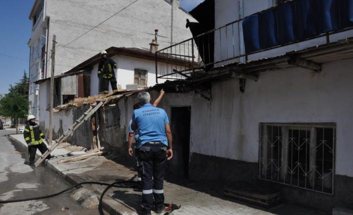 Karaman'da Kerpiç Evde Yangın Çıktı