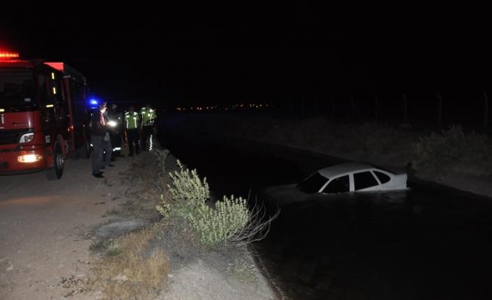 Karaman'da Otomobil Kanala Düştü