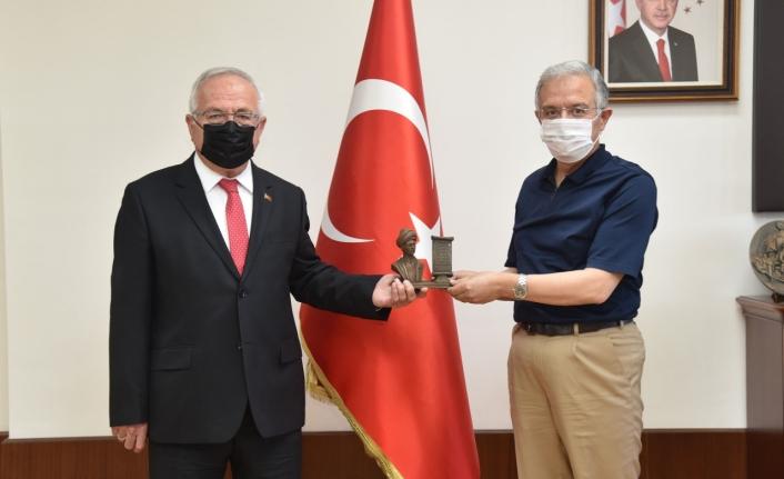 Prof. Dr. Sabri Gökmen'den KMÜ'ye Ziyaret
