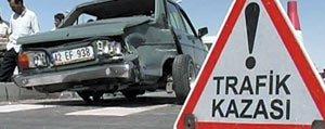 Otomobil Kaldirimda Oturanlara Çarpti: 1 Ölü, 2...