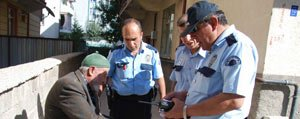 Yolda Buldugu Para Ve Altin Bulunan Cüzdani Polise...