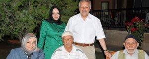 Kahraman Ailesi Devlet Konukevinde Huzurevi Sakinlerini...