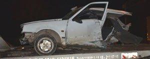 Kaza Yapan Otomobil Ikiye Bölündü