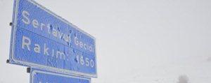 Kar Yagisi ve Sis Sertavul Geçidinde Etkili Oluyor