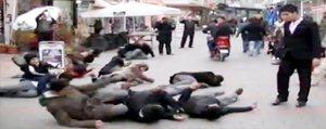Halkin Tepkisini Ölçmek Için Sokak Ortasinda Bayildilar