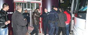 Akü Hirsizligina 8 Tutuklama