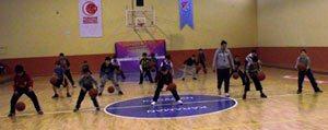 Miniklerin Basketbol Antrenmanlari Devam Ediyor