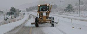 Sertavul Geçidindeki Kar Yagisi Ulasimi Aksatti