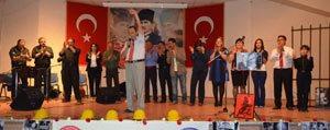 Egitim-Is'ten Siir Tadinda Nazim Hikmet Gecesi