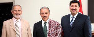 Pakistanli Bilim Adamindan KMÜ Rektörü Gökmen'e...