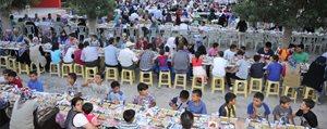 Iftar Sofralari Büyük Ilgi Görüyor
