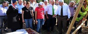 Sebzelerini Kurutan Çiftçiler Kazanmaya Basladi