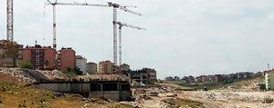 Piri Reis Vadisi`nde Binalar Hizla Yükseliyor