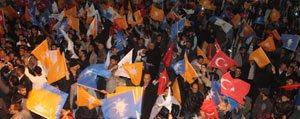 AK Parti`nin Tek Basina Iktidari Karaman'da Partilileri...