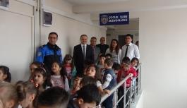 Çocuklar, Polis Amcalarını Ziyaret Ettiler