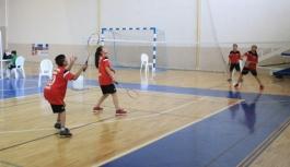 13 Yaş Altı Ferdi Badminton Müsabakaları Sona...