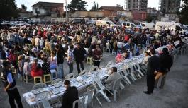 İlk İftar Sofrası Topucak Mahallesi'nde Kuruluyor