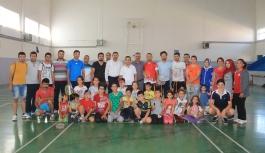 Şahin'den Ayrancılı Öğrencilere Özel Badminton...