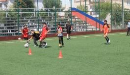 Yaz Spor Okulları Futbol Çalışmaları Devam Ediyor