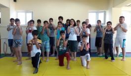 Muay Thai ve Kick Boks Gençlerin İlgi Odağı Oldu