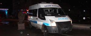 Otomobil Polis Minibüsüne Çarpti: 1 Yarali