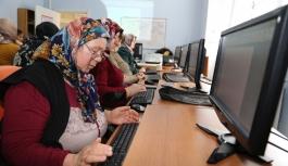 Hanımlar İçin Bilgisayar Eğitimi Düzenlendi