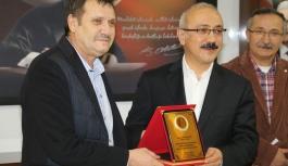 Basın Mensuplarından Bakan Elvan'a Teşekkür...