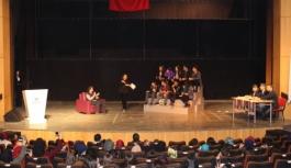 Gençler Hayallerini Sahneye Taşıdı