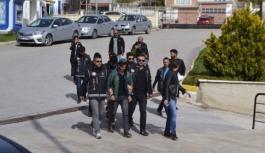 Karaman'da Otomobilden Çok Sayıda Uyuşturucu...