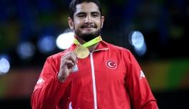 Olimpiyat Ve Dünya Şampiyonu Taha Akgül, TMOK Sporcu...