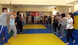 Savunma Sanatı Muay Thai'ye Kadınlardan Yoğun...