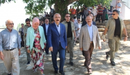 """Bakan Elvan: """"Güçlü Türkiye Yolunda Milletimize..."""