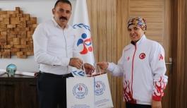Olimpiyat Üçüncüsü Ayşe Kesiktaş'tan Kısacık'a...