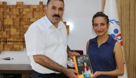 Karamanlı Sporcu Özkay, İlk Kitabını Çıkardı
