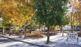 Park Yenileme Çalışmaları Devam Ediyor
