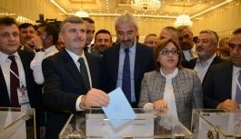 Türkiye Belediyeler Birliği yeni Başkanı Tahir...