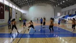 Okullararası Gençler Hentbol Müsabakaları Başladı