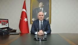 Vali Meral: Büyük Önderimiz Atatürk'ü Saygıyla...