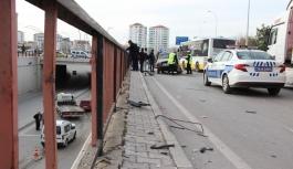 Otomobilinin Ön Camına Korkuluk Demiri Düşen Sürücü...