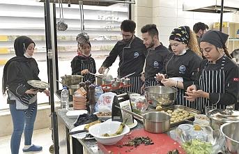 Aşçılık Bölümü Öğrencilerinden Final Sınavında...