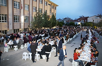 Karaman'da Beş Mahallenin Sakinleri İftar Sofrasında...