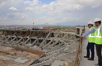 Başkan Çalışkan, Yeni Stadyum İnşaatında İncelemelerde...