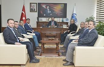 Eğitim-Bir-Sen Temsilcileri Rektör Akgül'ü Ziyaret...