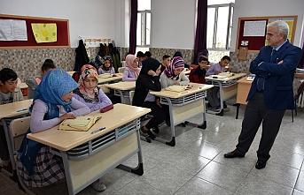 Kuntoğlu'ndan Dr. Faruk Sükan İlkokulu ve Ortaokuluna...