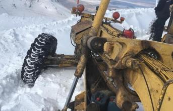 10 Ayrı Ekibin Karla Mücadelesi Aralıksız Sürüyor