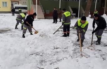 Belediyenin Karla Mücadelesi Devam Ediyor