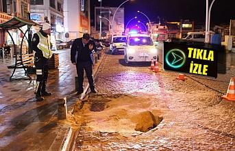 İsmet Paşa Caddesi'nde Yol Çöktü