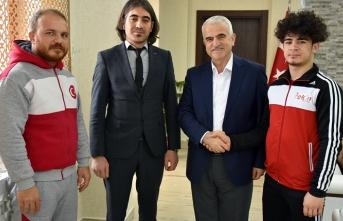 Türkiye Şampiyonu Judocudan İl Müdürü Kuntoğlu'na...