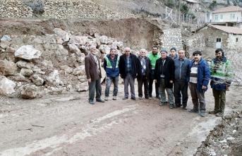 Yağış Sonrası Bozulan-Göçen Köy Yolları Onarılıyor